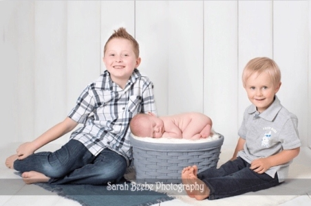 Baby Emmett with brothers by Sarah Beebe Photography